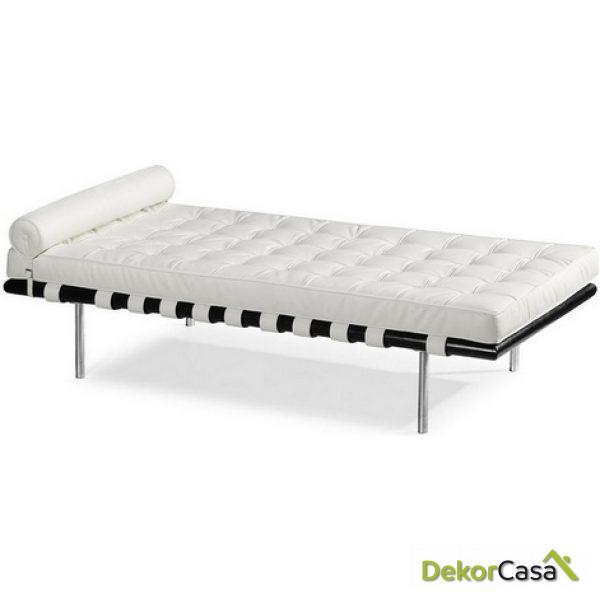 Cama de día  Day Bed  BARCELONA  piel blanca.