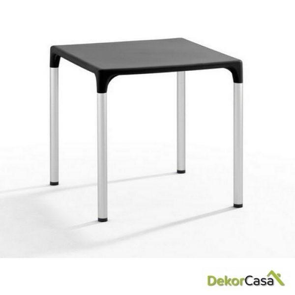 Mesa ELIANA, aluminio, polipropileno color negro