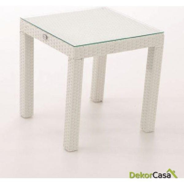 mesa auxiliar rattan