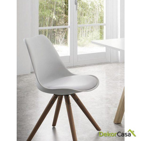 silla tapìzada blanca EAMES con cojin